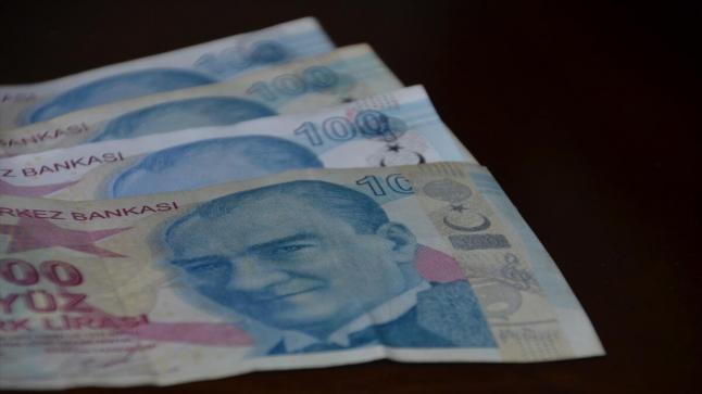 بعد عقوبات واشنطن.. الليرة التركية تصعد 1% أمام الدولار الأمريكي